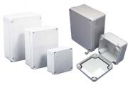Caja tomas, cajas de derivación y faceplates